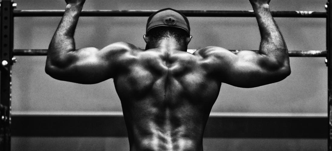 Cuida tu espalda en el gimnasio